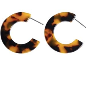 NWOT - Small Tortoise Shell Hoop Earrings